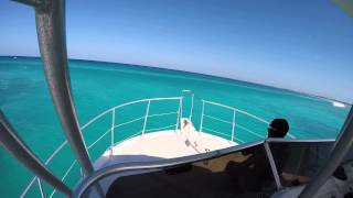 Diving Charter hits 30ft Wave