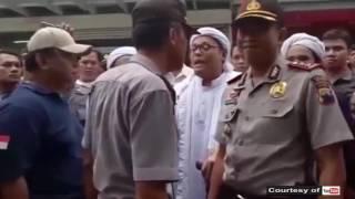 POLISI SRAGEN HADANG SWEEPING FPI
