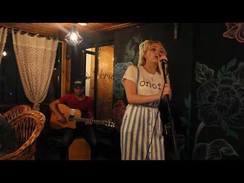 YAROSLAVA  первый  LIVE концерт (Acoustic guitar)