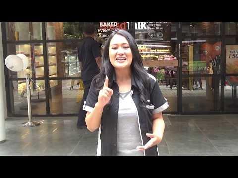 Menikmari Sensasi J.Co Stand Alone Sawunggaling Bandung