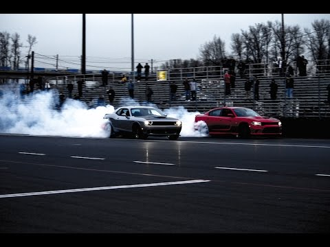 2015 Dodge Charger SRT Hellcat Vs. 2015 Dodge Challenger SRT Hellcat!