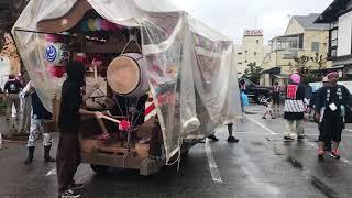 港団地の花車