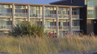 preview picture of video 'Beachfront Hotel Hokitika, New Zealand'