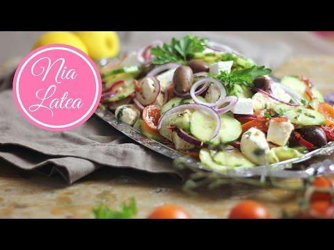 Griechischer Bauernsalat - χωριάτικη σαλάτα I Choriatiki I Griechische Küche (vegan möglich)