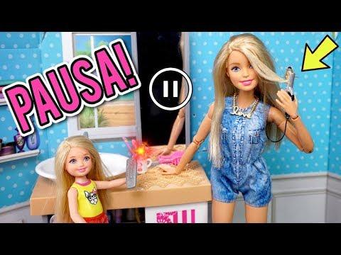 El Reto de Pausa con La Familia Barbie 😱 Termina Mal - Historias de Juguetes Titi