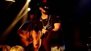 Eric Church - Livin' Part Of Life (Stripped - 2009 CMA Music Fest)