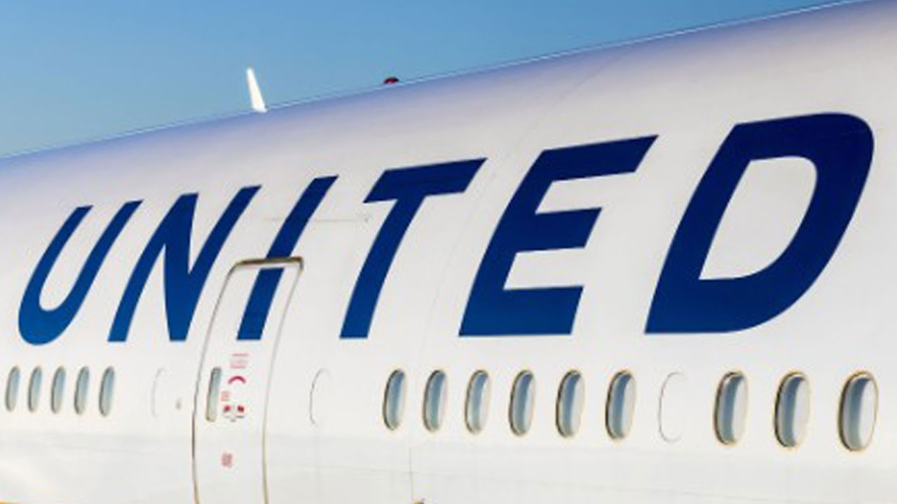 United Airlines Announces New Customer Service Policies thumbnail