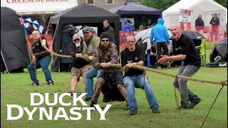 Duck Dynasty: Tug of War Takeover (Season 7, Episode 1) | A&E