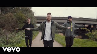 <b>Newton Faulkner</b>  Up Up And Away Official Video