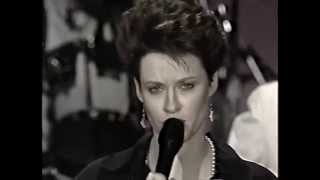 Shelby Lynne - Hold Me Kiss Me Thrill Me - Jay Leno 1991