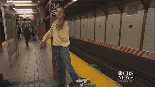 Juilliard violinist chooses subway as his stage
