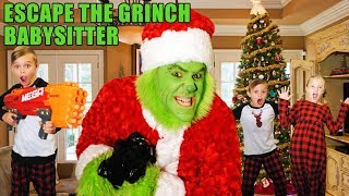 Escape the Babysitter! The Grinch Babysitter Showdown! Escape the Room to Save Christmas !