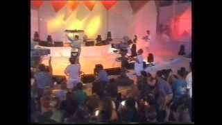 DJ Jazzy Jeff & The Fresh Prince - Boom Shake The Room (live)
