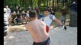 ТАКСИСТ против крепкого Бородача !!