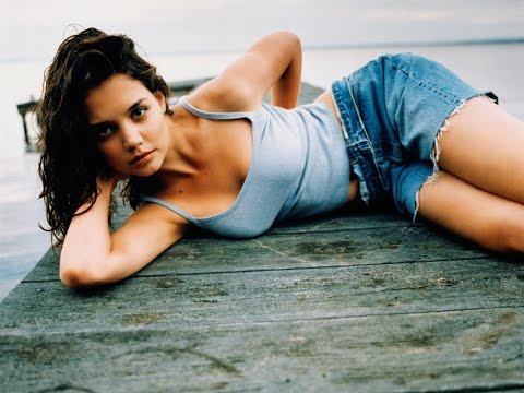 10 Sexy Katie Holmes HD Photos in Under 60 Seconds