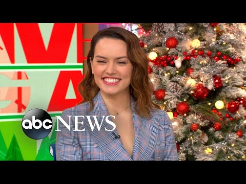 Daisy Ridley talks about spending time with Carrie Fisher on the set of 'The Force Awakens'