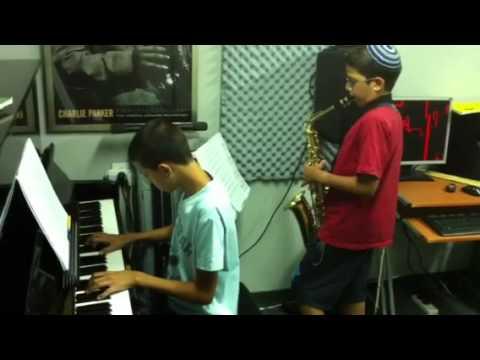 נועם ואורן בחזרות לקונצרט 2011