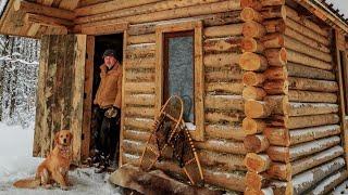 Off Grid Log Cabin: Samotnie z moim Psem w Lodowej Burzy