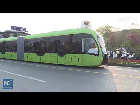 Кинескиот беспилотен воз кој оди по виртуелни шини почна да вози по улиците на Жужу