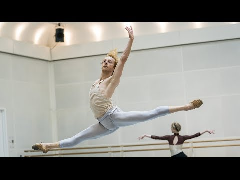 Watch: A first glimpse of Twyla Tharp's new ballet <em>The Illustrated 'Farewell'</em>