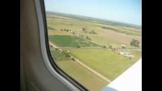 preview picture of video 'Despegue avioneta Piper en el Aeroclub de Esperanza'
