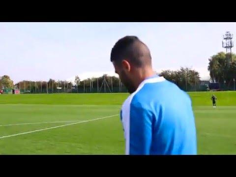 the best goal of mahrez Leicester training....2015.....اقوى هدف لرياض محرز خلال التدريبات