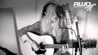 Nina Nesbitt -- Boy [Acoustic Session]