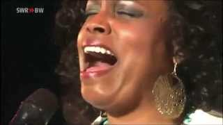 Dianne Reeves : Social Call ~ You Taught My Heart To Sing