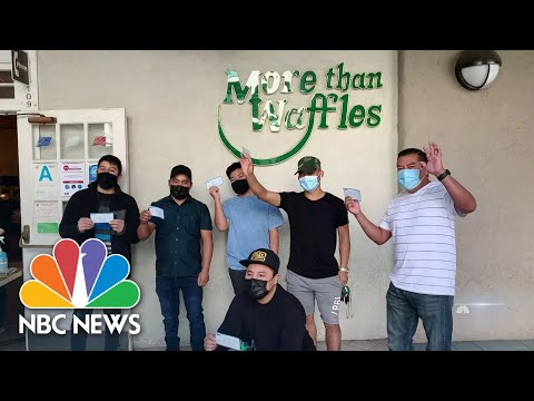 California Chef Raises $375,000 For Struggling Restaurant Workers | NBC Nightly News