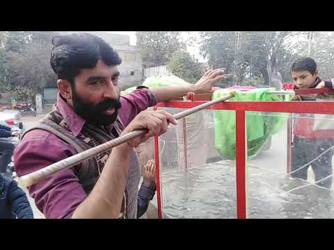 First time in Pakistan a trending idea, how to sell Fresh Fish on roadside? Viral Video