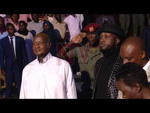 Museveni ajunguludde obubaka obuli mu luyimba 'BIZZEEMU'