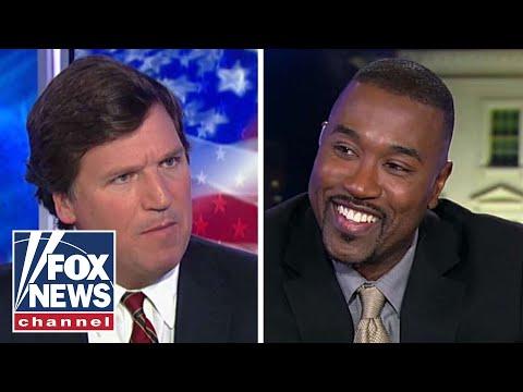 Tucker takes on gender pronoun crackdown supporter