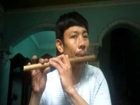 Minh Huề Tập thổi sáo bài về quê 2014