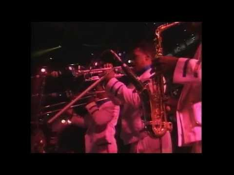 Earth Wind & Fire - System of Survival • Get Away [Live in Japan 1990]