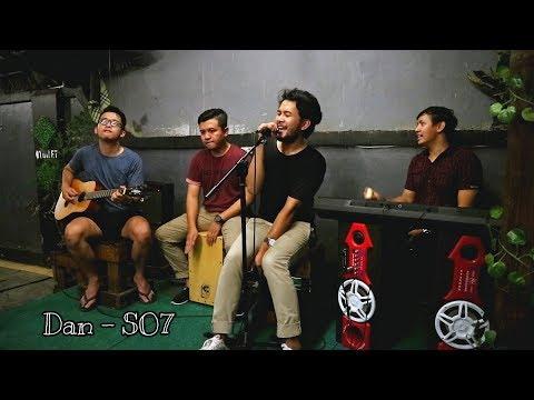 DAN - SheilaOn7 Akustik Live perform