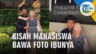 Kisah Mahasiswa Bawa Foto Ibunya saat Wisuda
