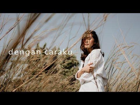 , title : 'Arsy Widianto, Brisia Jodie - Dengan Caraku (acoustic cover by eclat)'