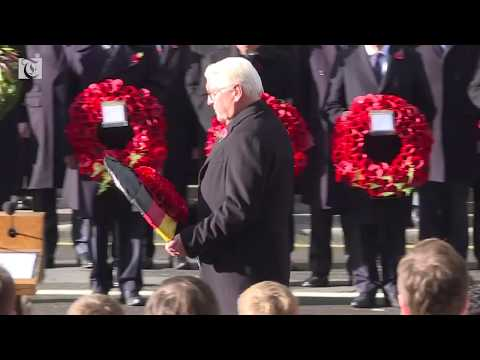 Thousands attend Armistice ceremony in London