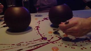 Смотреть онлайн Необычный десерт в ресторане Alinea, Чикаго