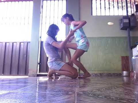 Desafio do yoga com minha prima Maria Clara Silva  (também tem lá no canal dela Maria Clara Silva )