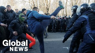 Ukraine police confront protesters rallying against land reform in Kiev