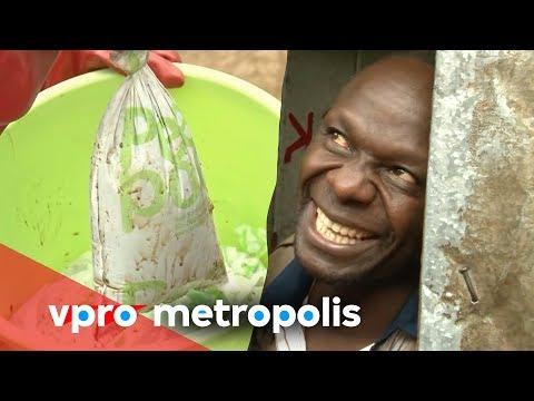 Een schonere wijk door in plastic zakjes te poepen? (12.00)