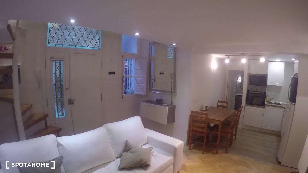 Contemporary studio apartment for rent in Centro