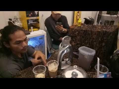 Ngopi di Halal Park | KoffieKan Indonesia