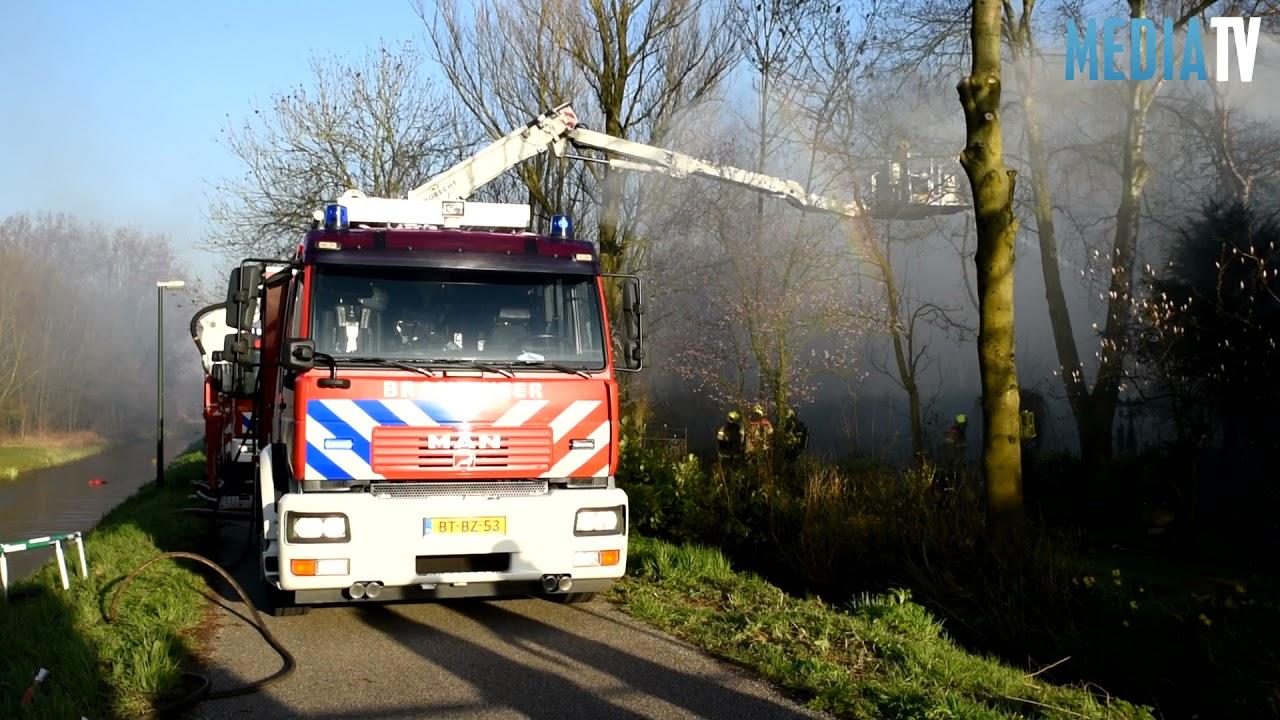 Woning verwoest bij grote brand Kilweg Dordrecht