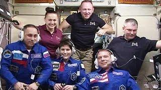 На МКС прибыли три новых космонавта