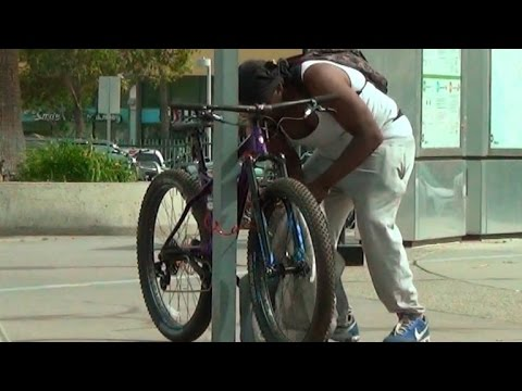 Watch How Long It Takes For A Thief To Snatch A Locked Bicycle