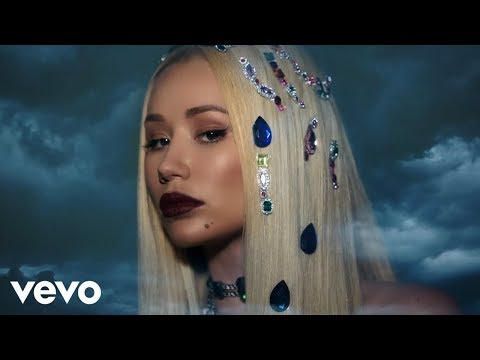 Iggy Azalea – Savior (Lyric Video) ft. Quavo