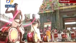 Kerala Artists Playing The Drums Draws Attention