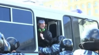 Raw: Arrests at Moscow Anti-Corruption Rally